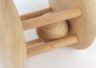 Grzechotka drewniana montessori
